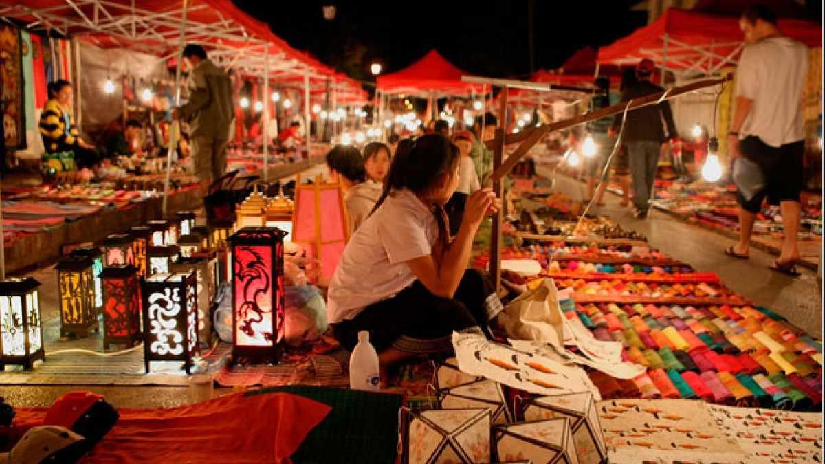Bạn cũng nhớ ghé chợ đêm Tây Đô trong tour Cần Thơ của mình nhé.