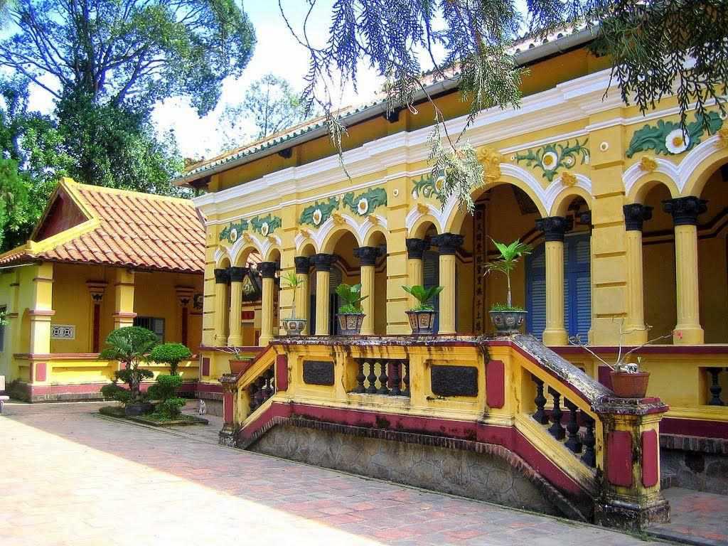 Hãy tham quan chùa Nam Nhã khi đi tour du lịch Cần Thơ nhé.