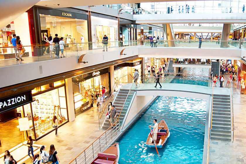 Đến Singapore, bạn cũng nên đi shopping tại những trung tâm thương mại đẳng cấp nhất.