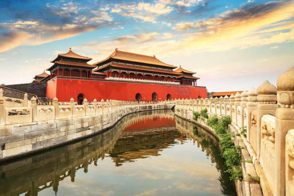 Tử Cấm Thành là điểm đến không thể thiếu được trong tour du lịch châu Á đến Trung Quốc của bạn.