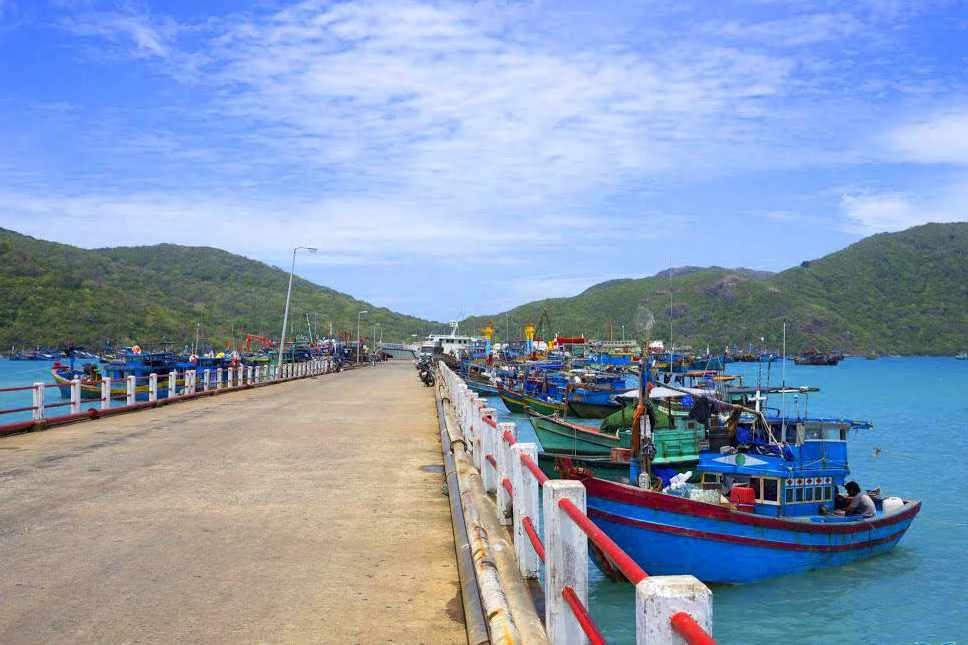 Cảng Bến Đầm cũng là nơi sống ảo yêu thích của nhiều khách du lịch Côn Đảo.