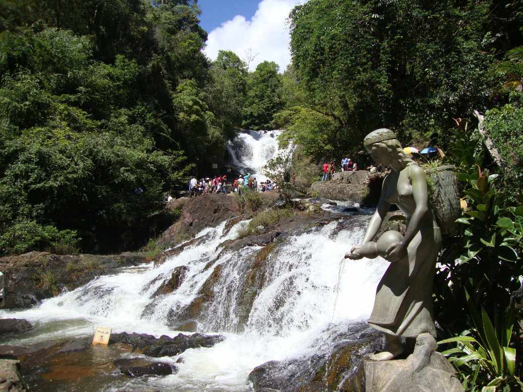 Tour Đà Lạt - Thác Datanla - Tuyệt tác của thiên nhiên nằm tựa mình trên cung đèo Prenn xinh đẹp