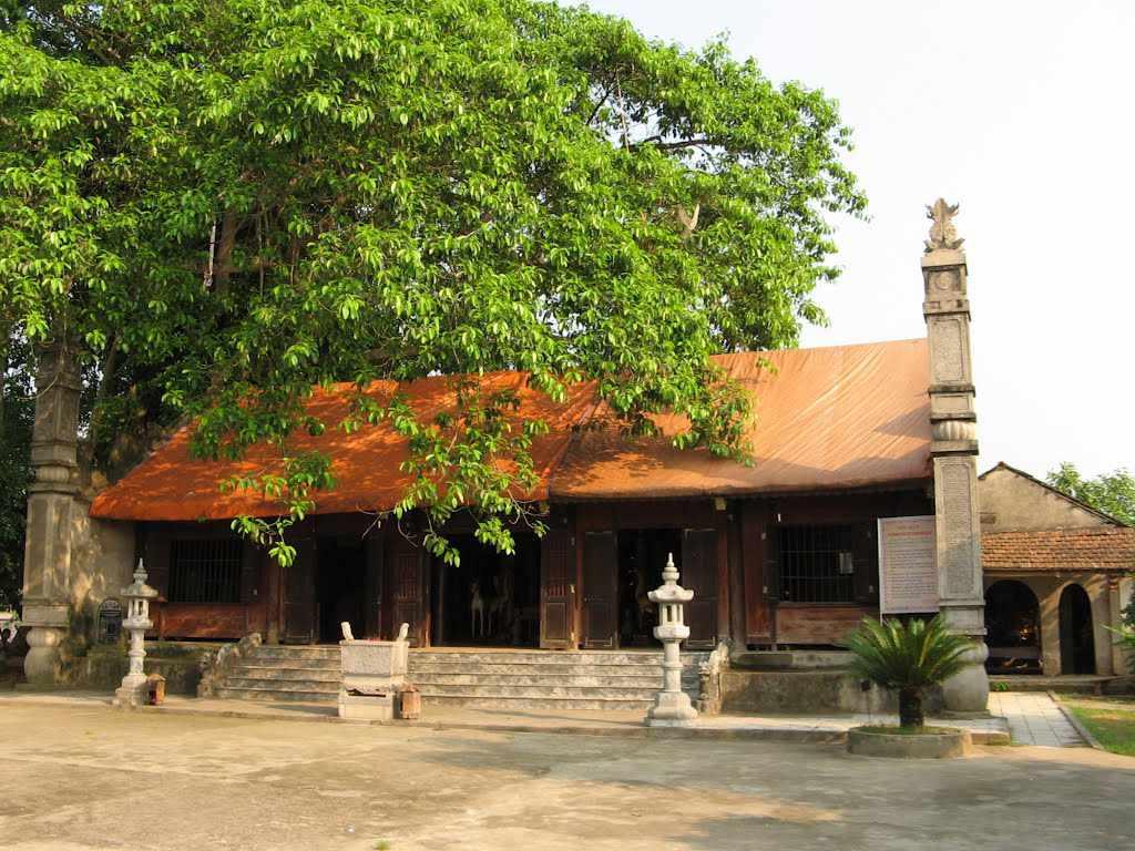 Thăm đền Hùng, ghé thăm đền Quốc mẫu Âu Cơ cũng thú vị không kém đâu. Tour du lịch Đông Bắc.