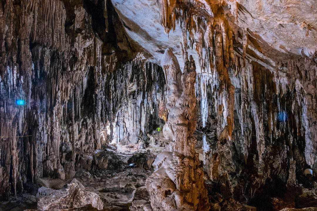 Đi tour du lịch Đông Bắc đến Bắc Kạn, hãy lạc vào động Nàng Tiên để chiêm ngưỡng vẻ đẹp tuyệt vời của tự nhiên.