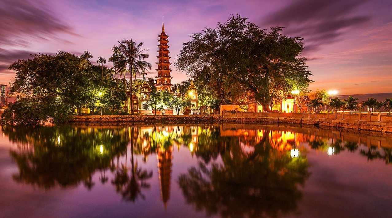 Tour Hà Nội - Hồ Hoàn Kiếm về đêm