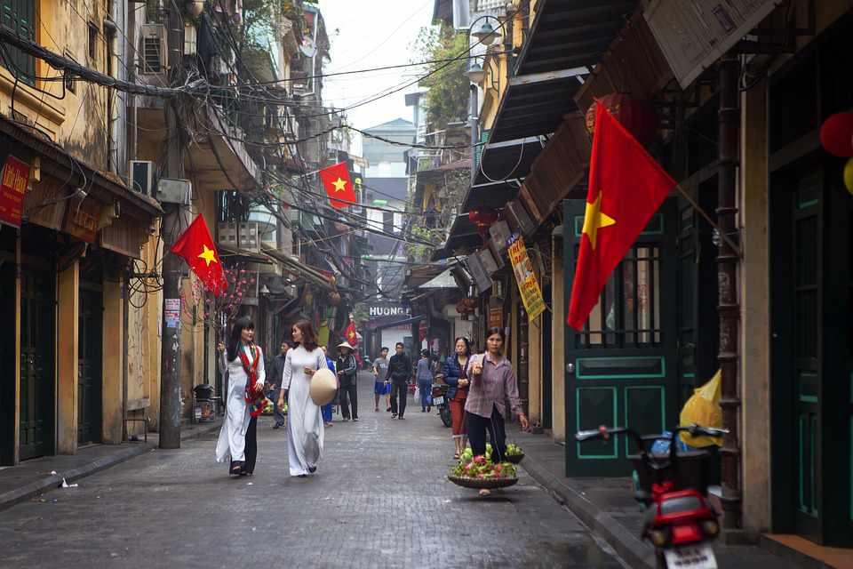 Tour Hà Nội - Một sáng mùa xuân Thủ đô