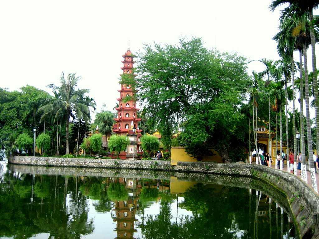 Tour Hà Nội - Chùa Trấn Quốc