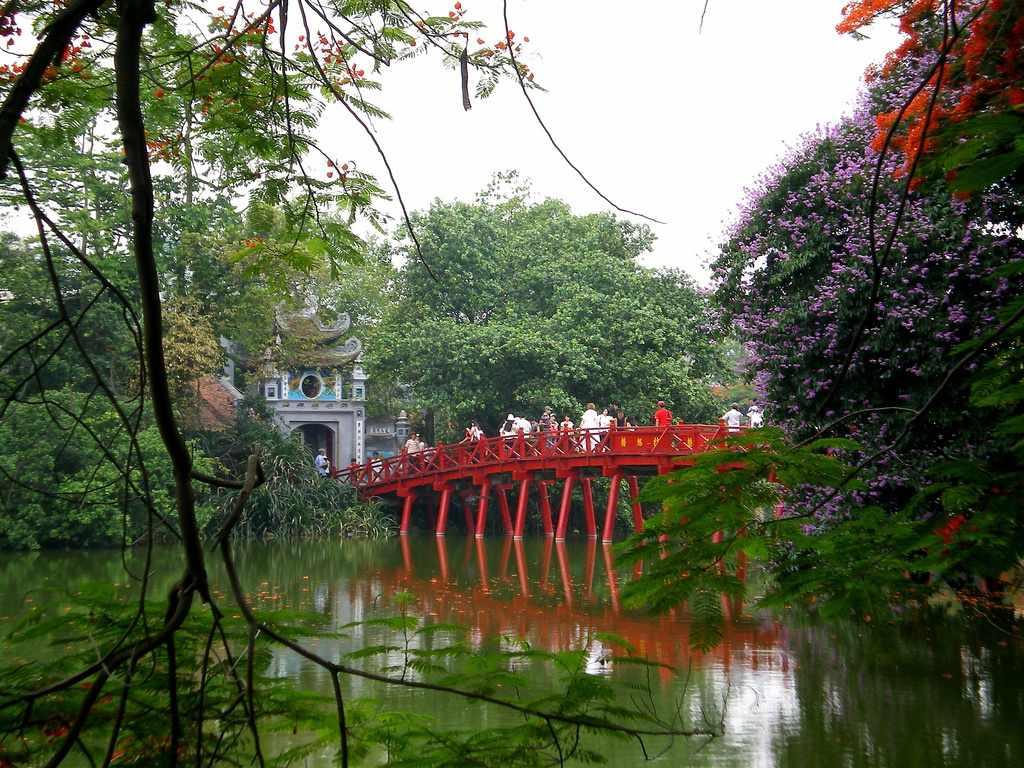 Tour Hà Nội - Cầu Thê Húc