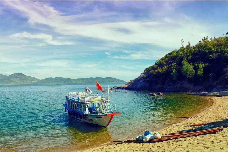 Hãy ghé qua Cù Lao Chàm khi đi tour Hội An bạn nhé!