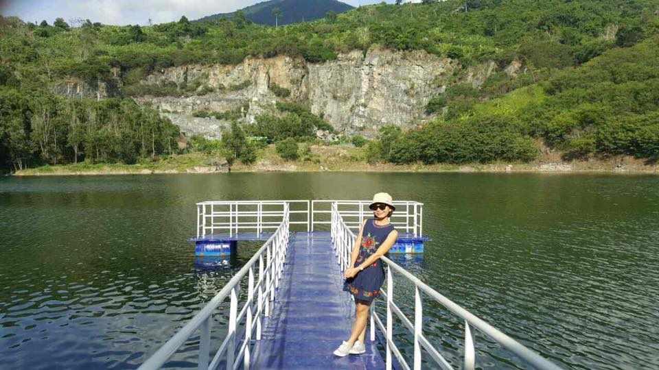 Tour du lịch miền Nam - Làn nước Hồ Đá trong xanh tại Ma Thiên Lãnh