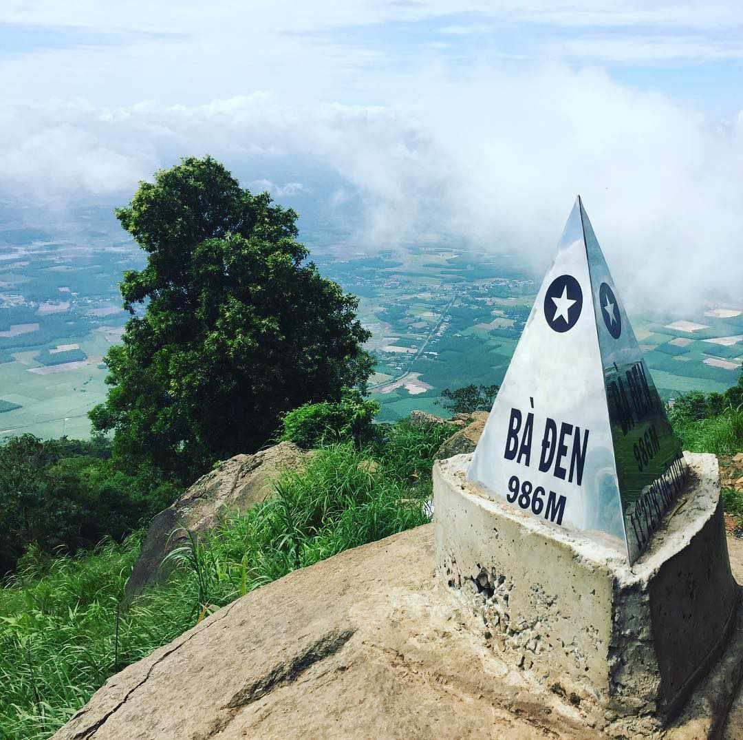 Tour du lịch miền Nam - Chinh phục núi Bà Đen