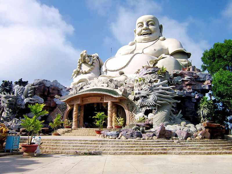 Tour du lịch miền Nam - Tượng Phật Di Lặc trên Thiên Cấm Sơn