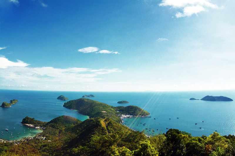 Phong cảnh tuyệt vời nhìn từ hải đăng Nam Du. Tour Nam du, tour du lich nam du.