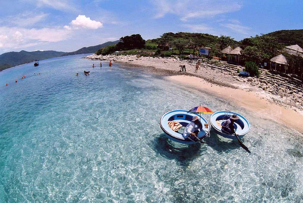 Tour Nha Trang - Du lịch Nha Trang đến Hòn Mun lặn ngắm san hô