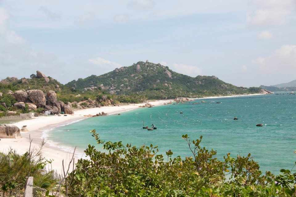 Biển Bình Tiên - hòn ngọc xanh quý giá của du lịch Ninh Thuận. Tour Ninh Thuan.