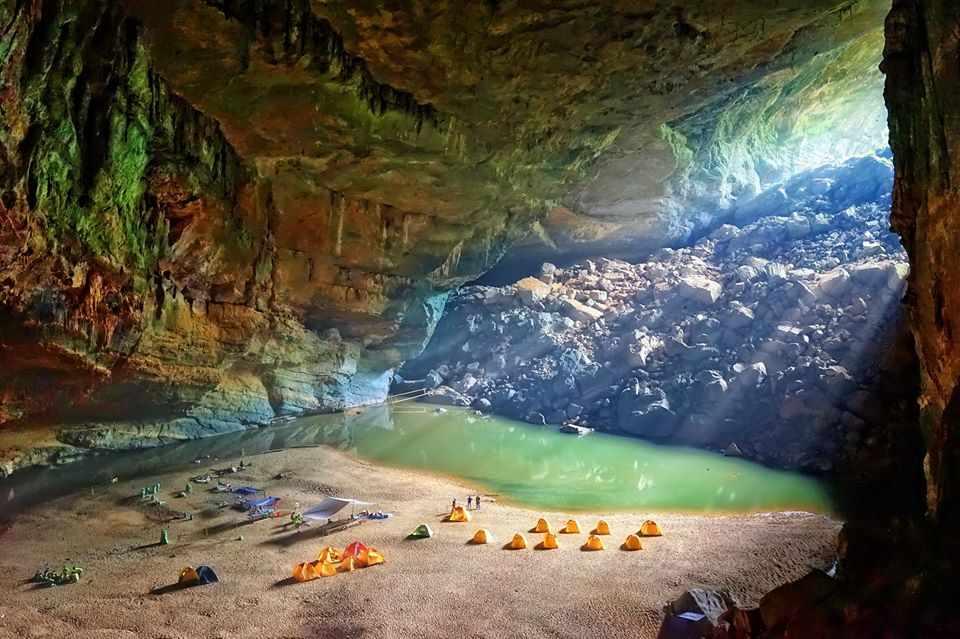Quảng Bình cũng là xứ sở du lịch nổi tiếng với những kiệt tác thiên nhiên ấn tượng. tour quang binh, tour du lich quang binh.