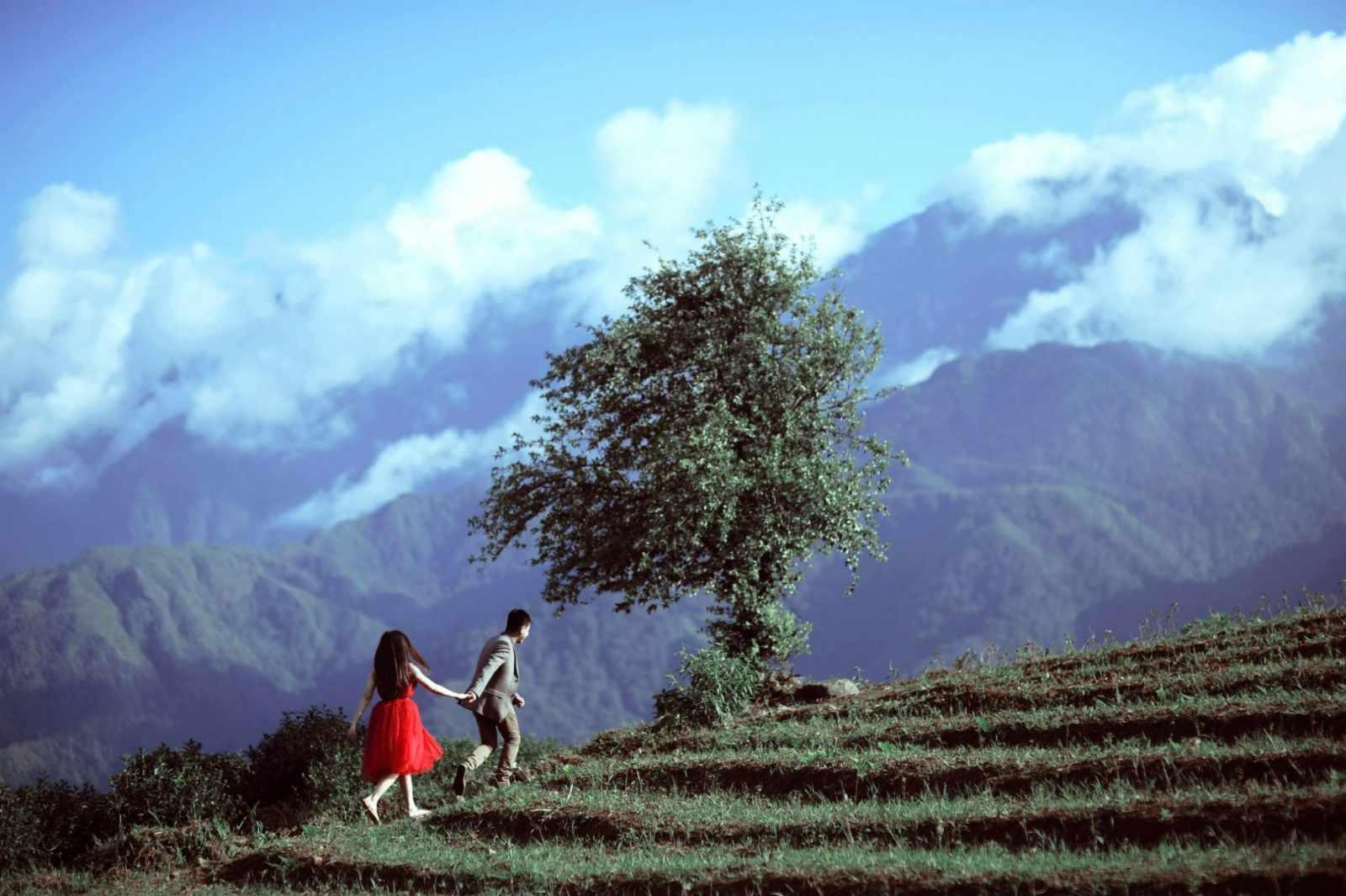 Tour Sapa - Nắm tay nhau du lịch Sapa săn mây