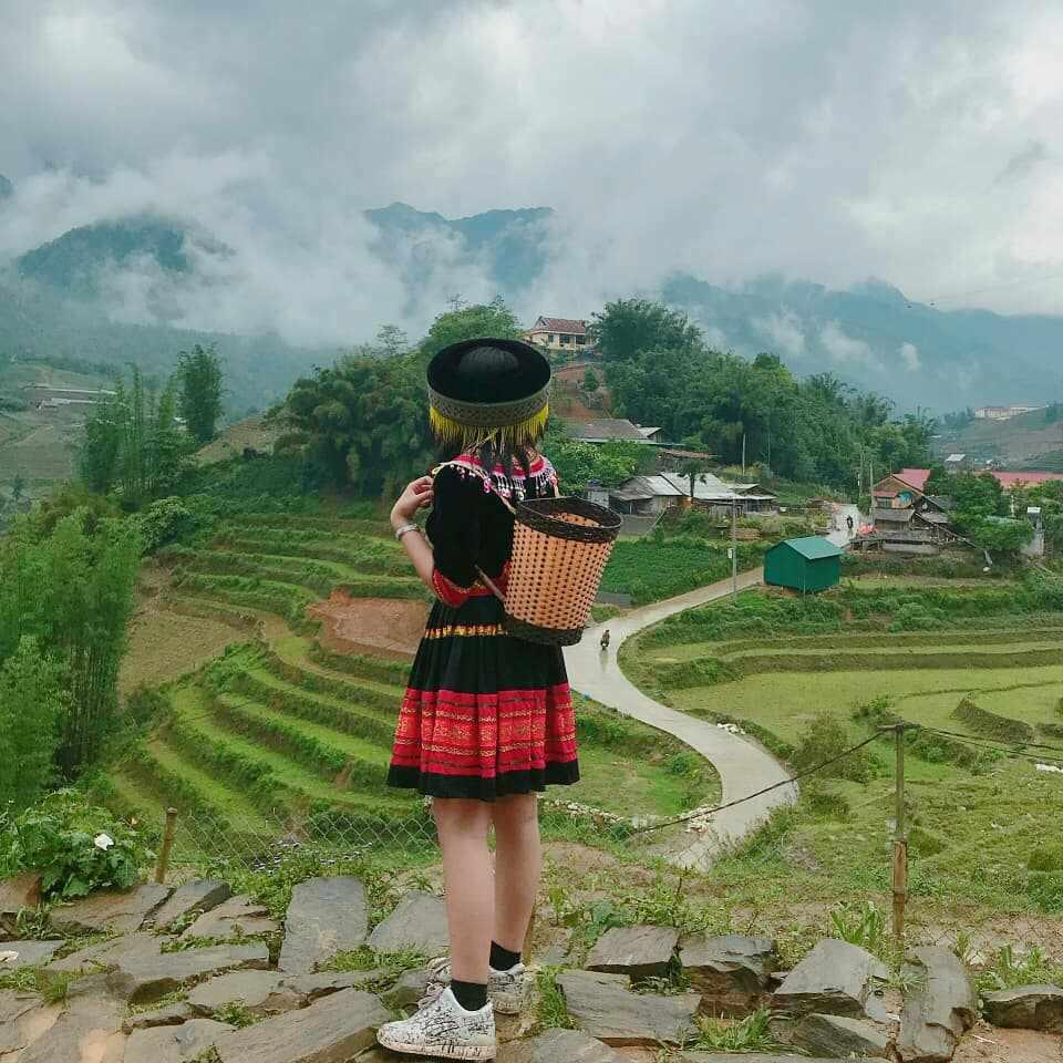 Tour Sapa - Trải nghiệm thú vị với trang phục đồng bào vùng cao