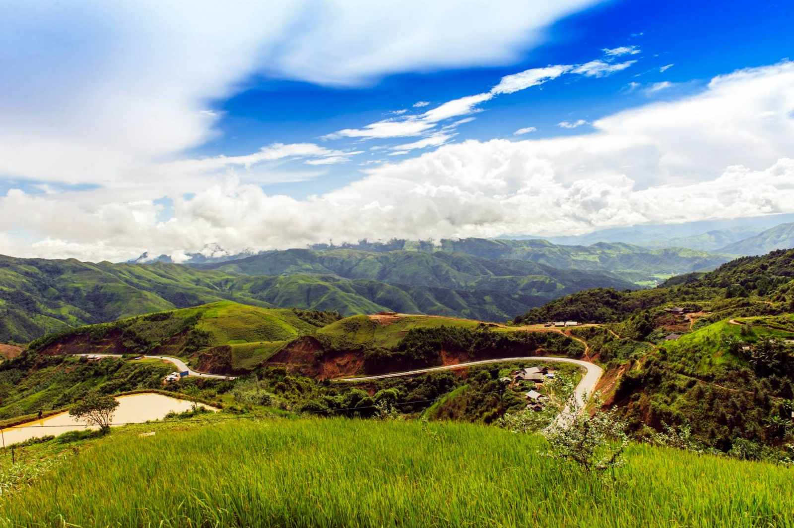 Tour Tây Bắc - Bao la vùng trời Tây Bắc với đèo Pha Đin